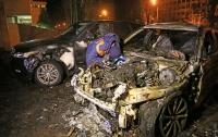 В Одессе загорелись два элитных автомобиля