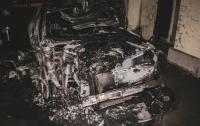 В столице сгорела элитная машина сына Гонтаревой (видео)