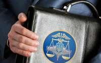 За неделю сотрудники фискальной службы трижды попались на взятках и махинациях