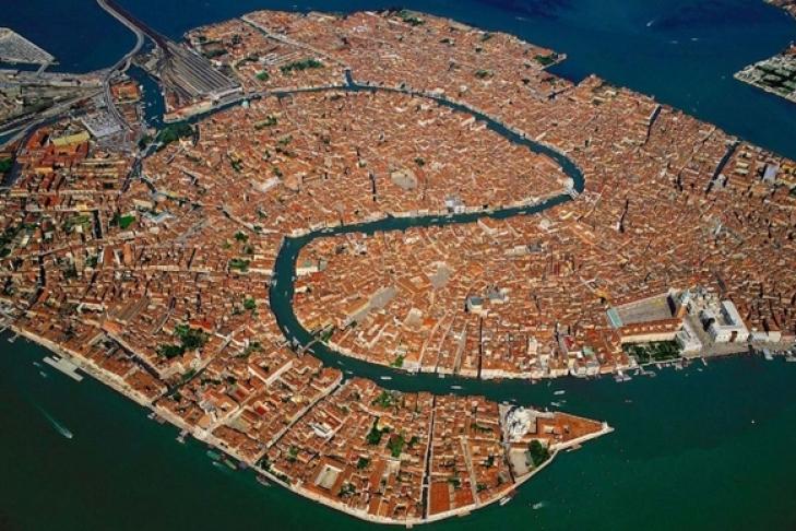 Ученые спрогнозировали, что Венеция совсем скоро может уйти под воду