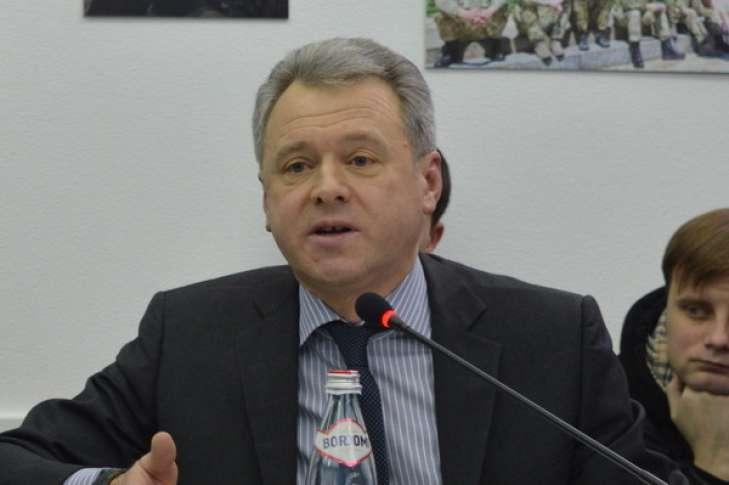 «Слуга» Новиков помогает «КВАЗАРУ» «кинуть» банк на 100 млн гривен