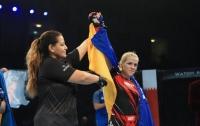 Украинка триумфально выиграла чемпионат мира по ММА