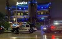 В США вооруженный преступник напал на океанариум