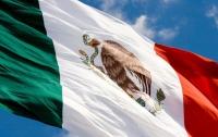 Самолет убил двух мексиканок при попытке сделать селфи на взлетной полосе