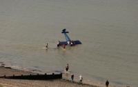 На юго-востоке Британии самолет упал в воду во время авиашоу