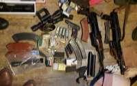 Под Киевом разоблачили банду торговцев оружием