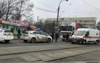 Фура сбила мужчину на пешеходном переходе в Киеве