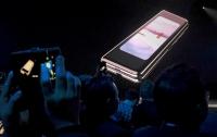 Названа можлива причина поломки гнучких смартфонів Samsung Galaxy Fold