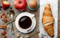 Названо главное правило употребления кофе утром