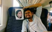 Житель Индии отправился в медовый месяц с фотографией жены