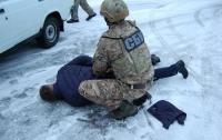 Полицейские Чернигова продавали наркотики арестованным в СИЗО