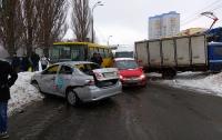 Масштабная авария в Киеве: есть пострадавший