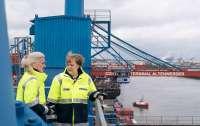 ЕС за то, чтобы Украина оставалась страной - транзитером российского газа, - Меркель