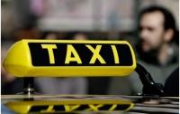 В Запорожье вооруженный таксист грабил пассажирок
