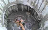 В метро Днепра утонул экскаватор (видео)