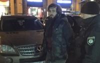 Вооруженных интуристов с удостоверениями чеченского батальона задержали в Киеве
