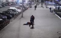 В Виннице грабители жестоко избили мужчину на улице (видео)