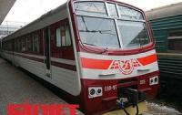 Железнодорожники жалуются на вандалов, уничтожающих вагоны поездов