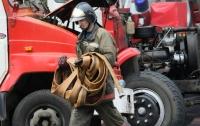 В Киеве произошел пожар в складском помещении