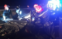 На Черкасщине столкнулись два BMW и грузовик: погиб иностранец (видео)