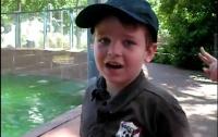 5-летний мальчик разговаривает, как дельфин (ВИДЕО)