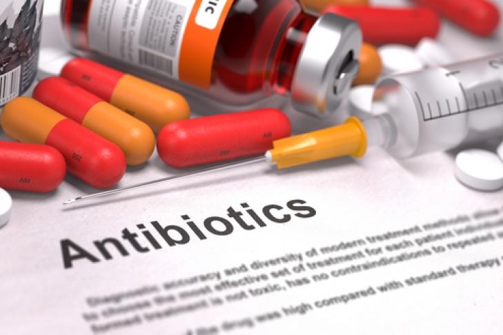 Названа главная опасность антибиотиков для детей