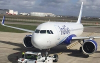 Сотрудники авиакомпании в Дели избили пассажира