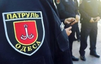 В центре Одессы задержали мужчину с топором