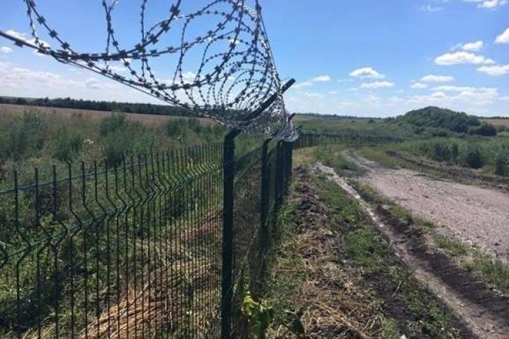 РФ отгородит Крым отУкраины высоким забором сколючей проволокой