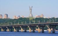 Посреди Днепра в Киеве застряли шесть человек