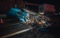 В Киеве пьяный водитель влетел в коммунальщиков, опрокинулся и сбежал, оставив раненых (видео)