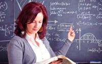 Учителя могут не получить добавку к зарплате из-за досрочных выборов