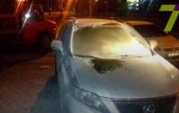 В Одессе в Lexus чиновника бросили