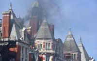 В известном отеле Лондона начался сильный пожар