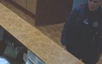 Полиция Днепра разыскивает жестокого убийцу (видео)