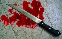 Пьяный мужчина в ссоре с женой зарезал свою 10-летнюю дочь