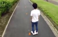 Японский изобретатель создал электроскейт-самокат помещающийся в рюкзак