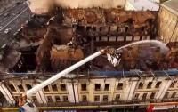 Пожар в Киеве на Крещатике: начался обвал деревянных конструкций (видео)