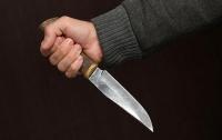 Житель Днепра напал с ножом на офицера ВСУ