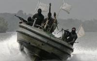 Моряков захватили пираты возле Камеруна