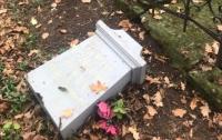 В Польше вандалы разрушили памятник украинским повстанцам
