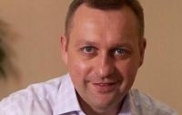 Харьковского депутата бросили в мусорный бак