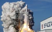 SpaceX выиграла контракт на отправку секретного спутника на Falcon Heavy