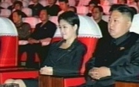 Таинственная спутница Ким Чен Ына - поп-звезда с ребенком на руках?