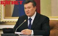 Янукович ввел в Совет регионов Могилева и Пеклушенко