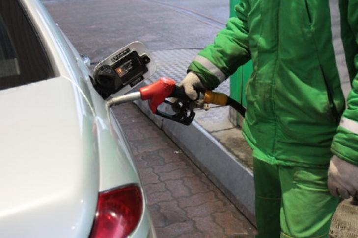 Украинские АЗС возобновили поставки польского бензина