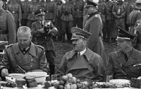 Стали известны блюда предсмертного ужина Гитлера