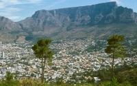 В ЮАР турист выжил после падения с высоты в 20 метров