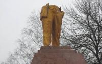 Заведено дело против разрушивших памятник Ленину