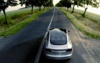 Беспилотник Tesla попал в аварию, есть пострадавшие